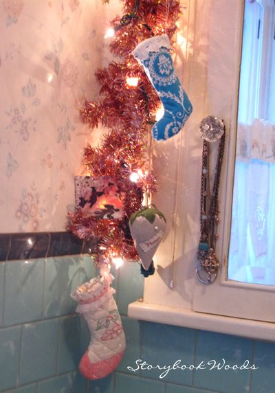 Christmas bathroom 4