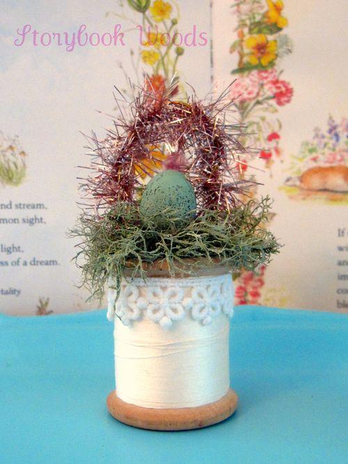 Easter spool 303