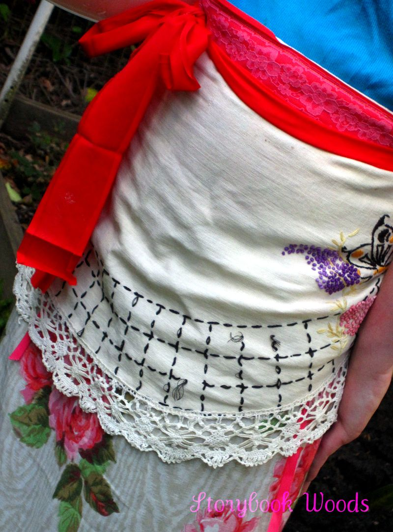 Spring apron 606