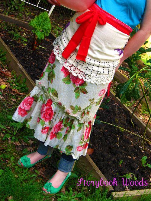 Spring apron 303