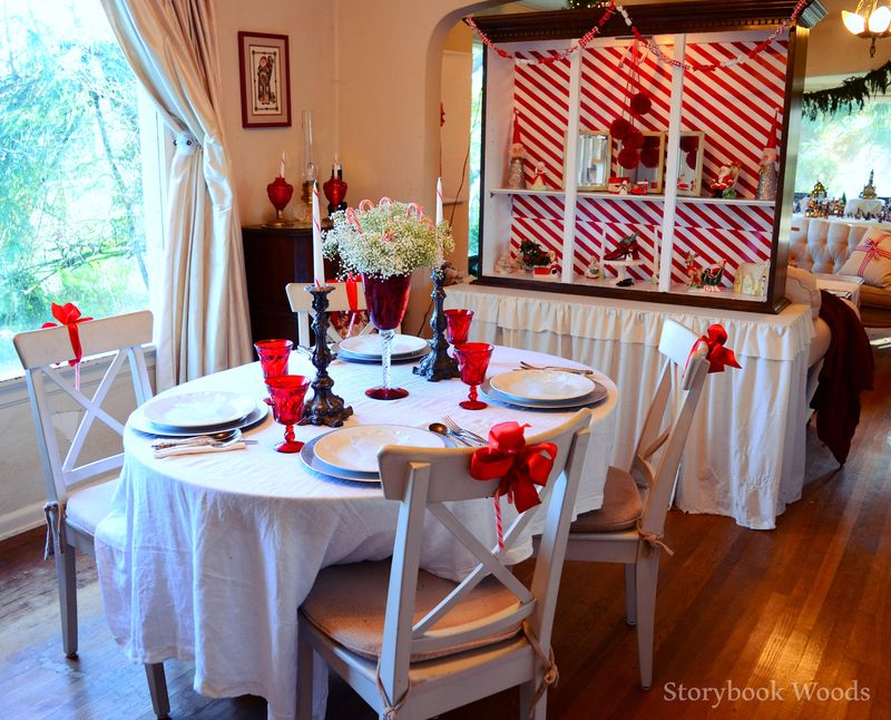 Red and white dining4 Storybook Woods