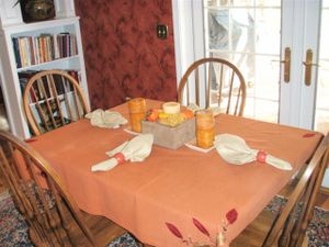 Kitchen_table